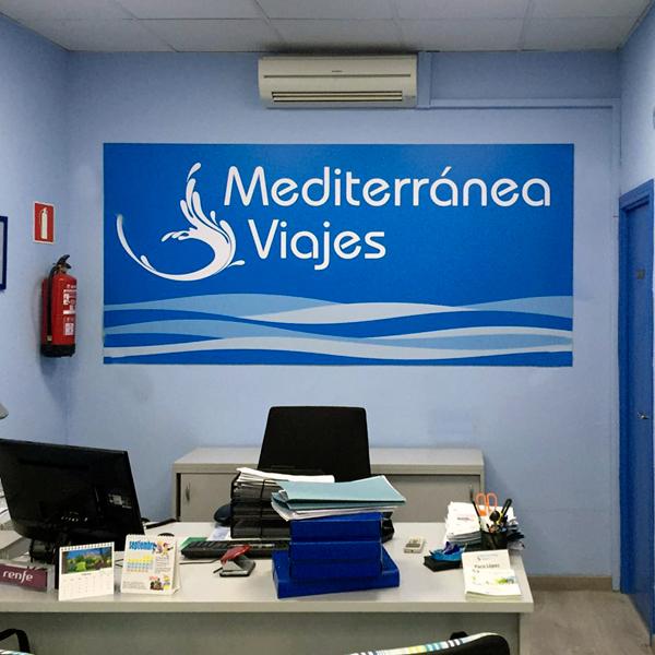 Vinilo para agencia de viajes en Madrid.