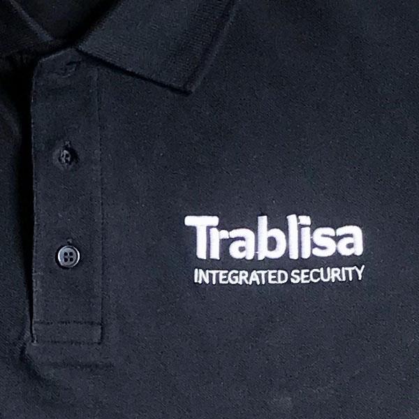 Polo con logotipo